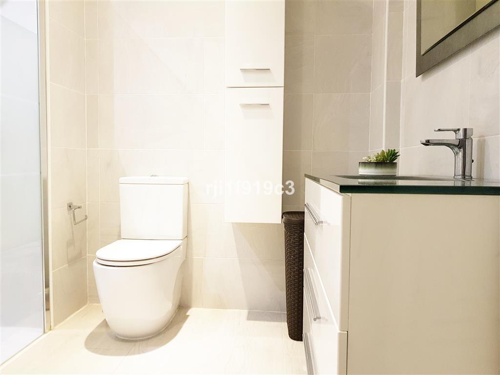 Apartamento Planta Media  en venta en  Reserva de Marbella, Costa del Sol – R3289339