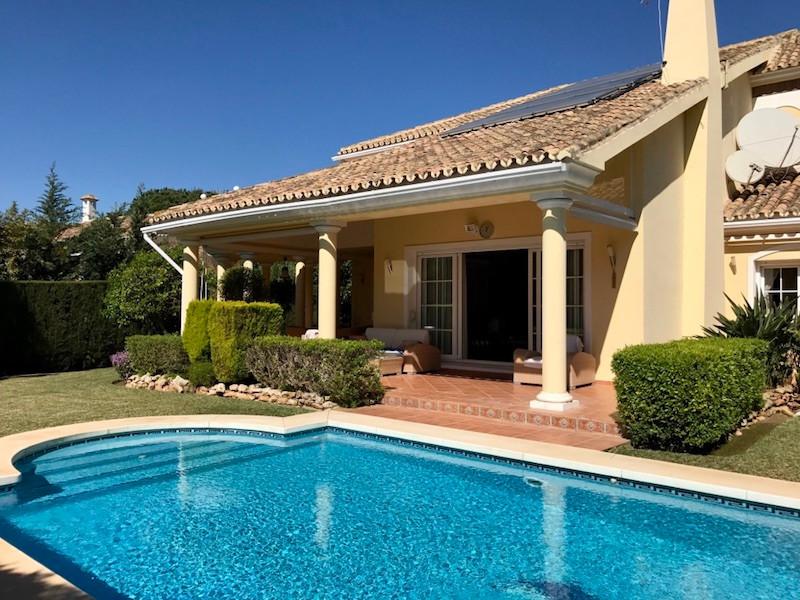 Villa – Chalet en venta en Marbesa – R3105460