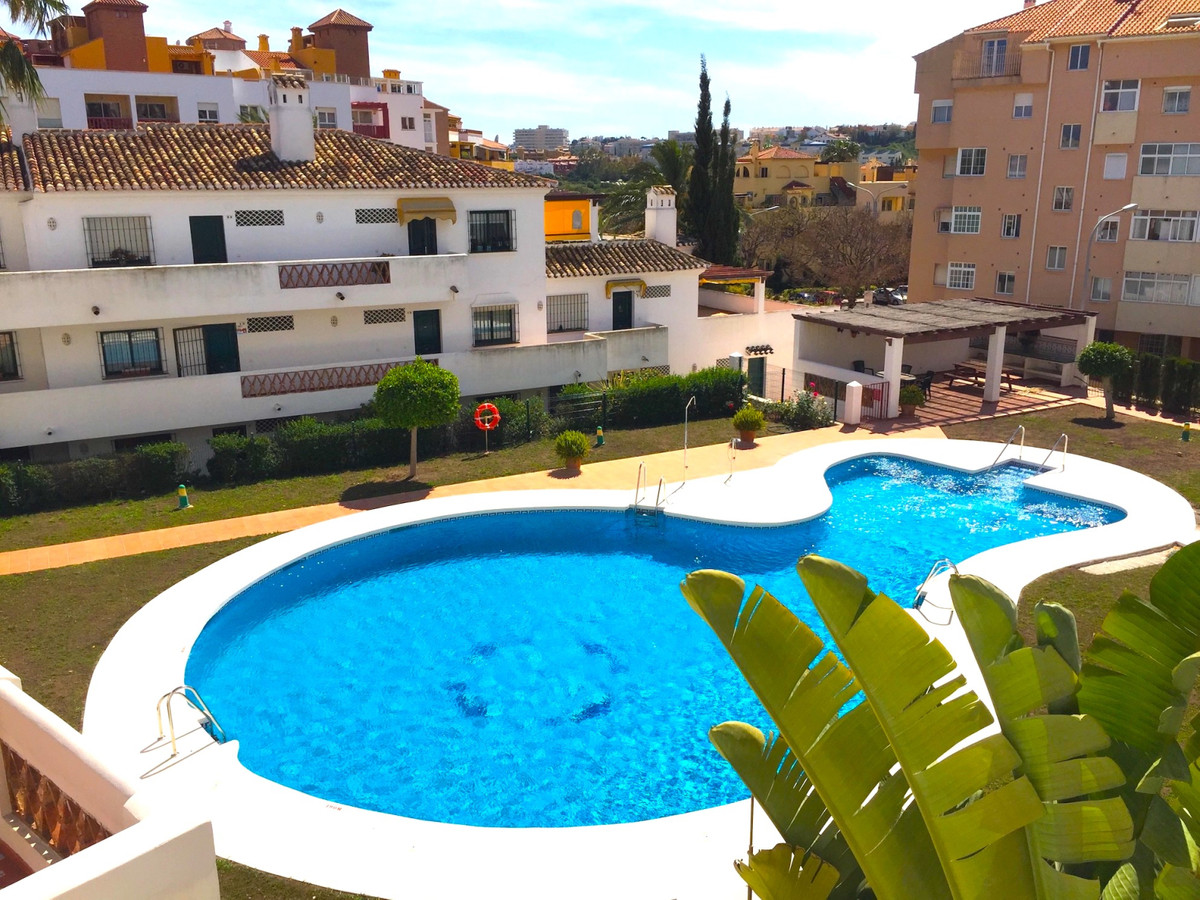 Great opportunity - Sunny 2 bedroom apartment situated on the ground floor of this popular complex i,Spain
