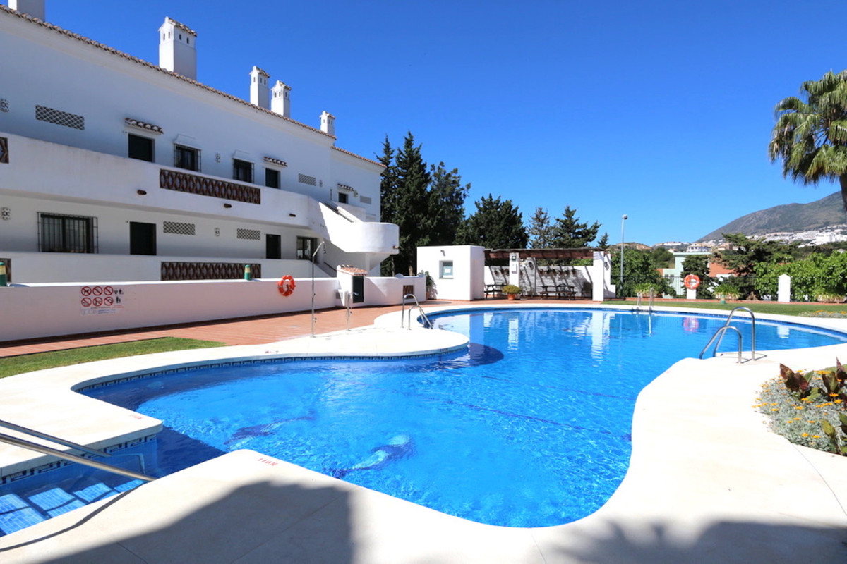 Opportunity, this fantastic holiday home is perfectly located in the popular Pueblo del parque compl, Spain