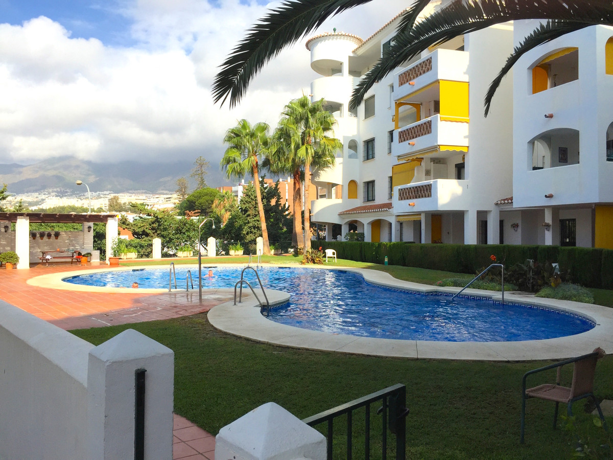 Lovely 2 bed apartment in the much demanded Paloma Park area of Benalmadena Costa. Bathroom with wal, Spain
