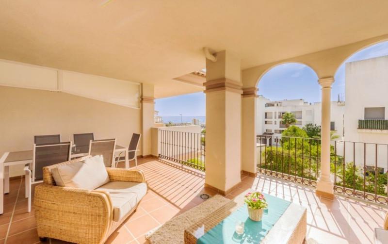 Marbella Banus Apartamento Planta Media a la venta en La Cala de Mijas – R3629009