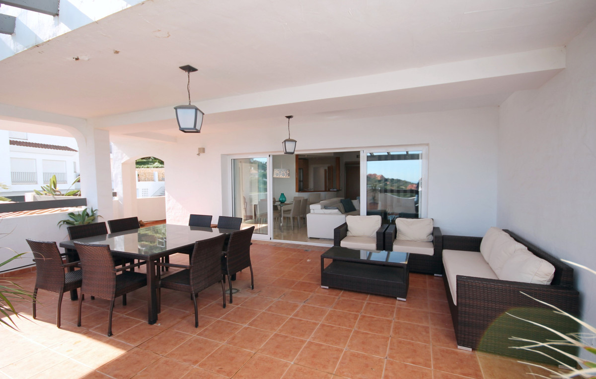 3 Bedroom Middle Floor Apartment For Sale La Mairena