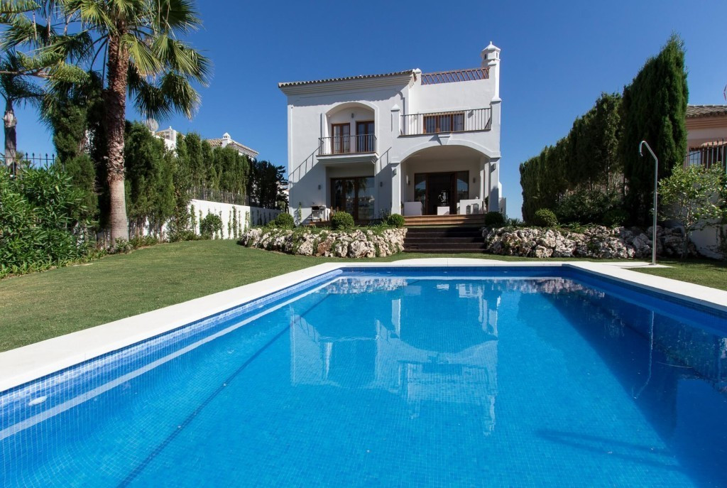 Detached Villa · New Golden Mile