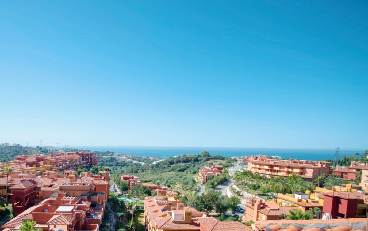 Excellent Penthouse apartment now at bargain price in La Reserva de Marbella with panoramic sea view, Spain