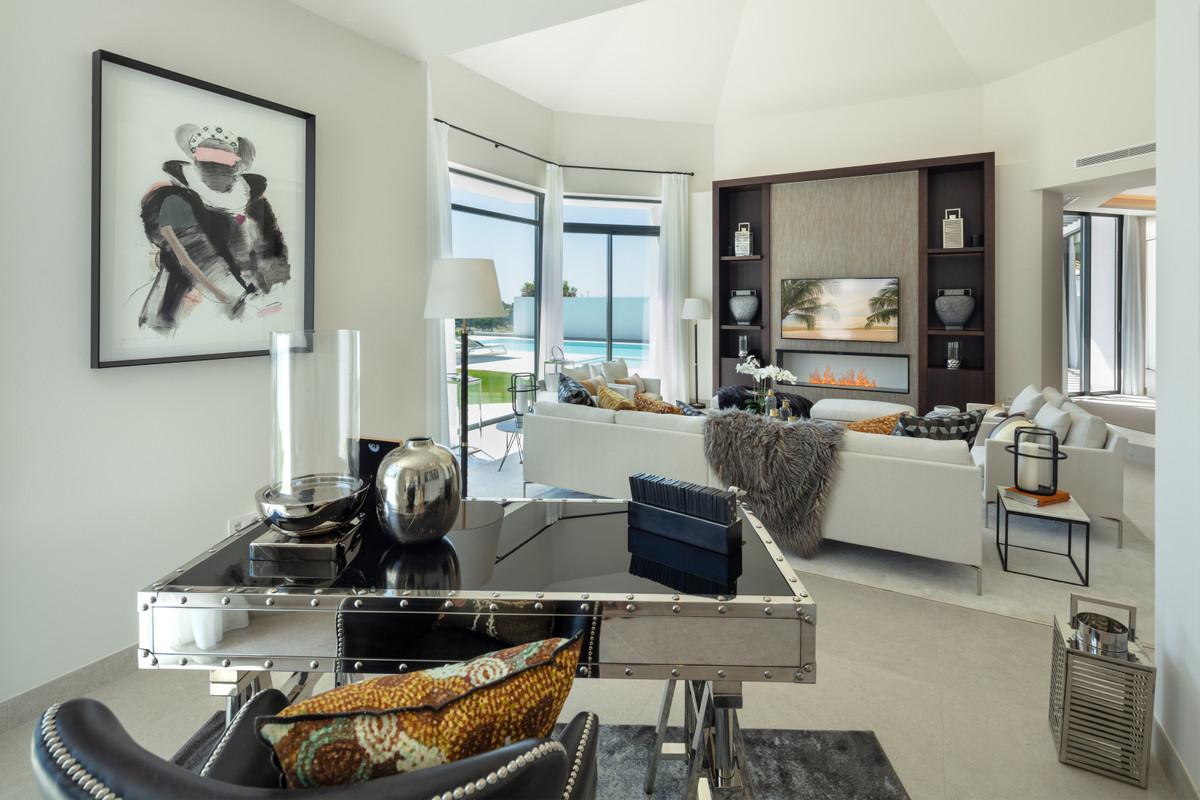 House in Aloha R3702695 22