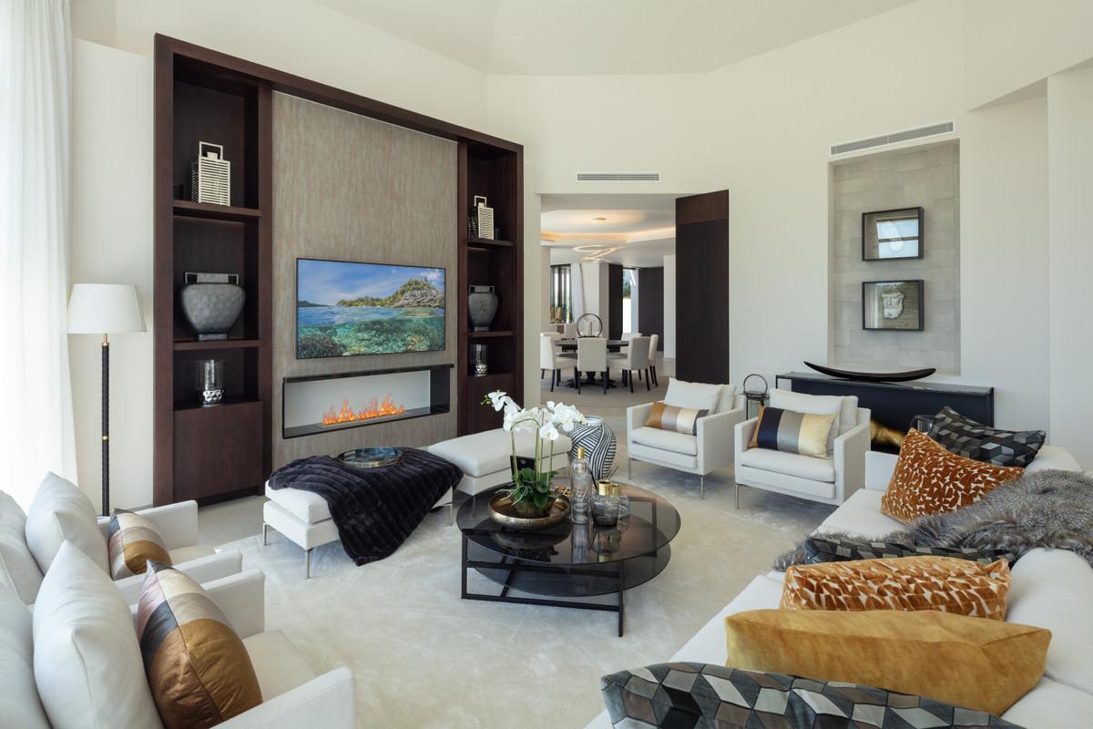 House in Aloha R3702695 23