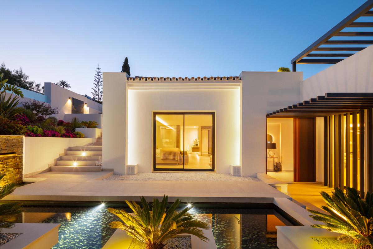 House in Aloha R3702695 32