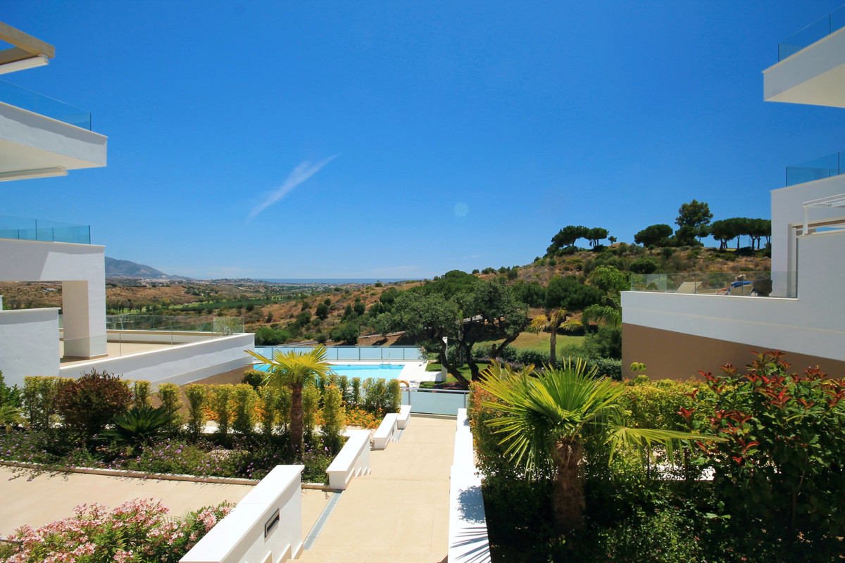NEW LISTING at reduced price! Brand new golf front apartment (never used) set in a true golfers&apos, Spain