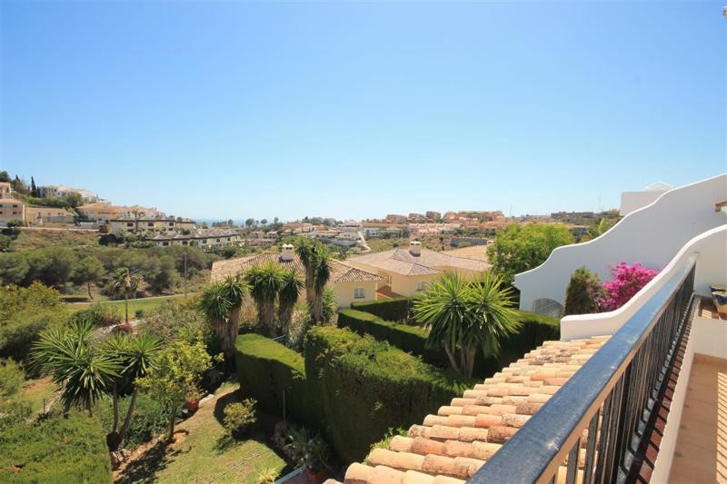 ### RENTED ### Splendid golf front townhouse with golf and sea views set in a beautiful gated commun, Spain
