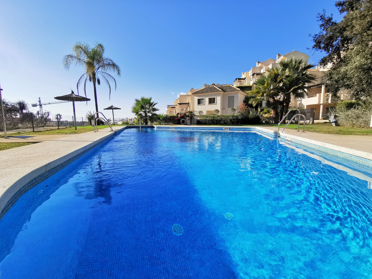 EXCELLENT VALUE FOR MONEY!!!! Lovely 3 bedroom townhouse located on the Cabopino golf course just mi, Spain