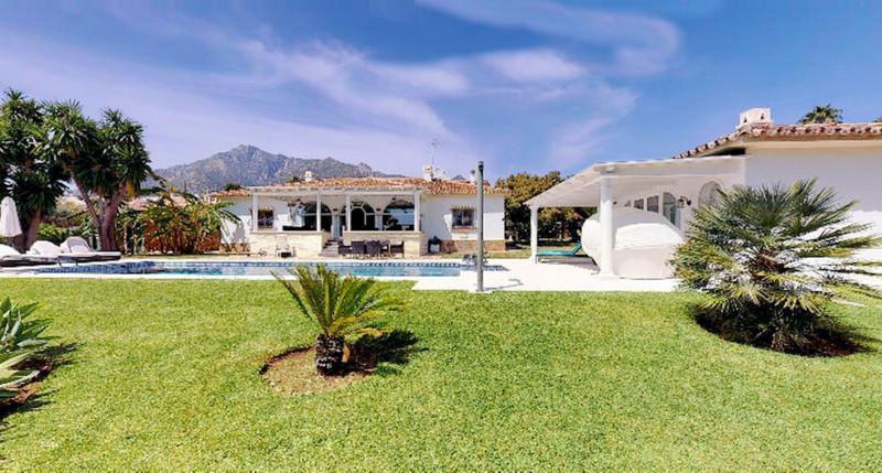 Marbella Banus Villa – Chalet, Marbella – R3514258