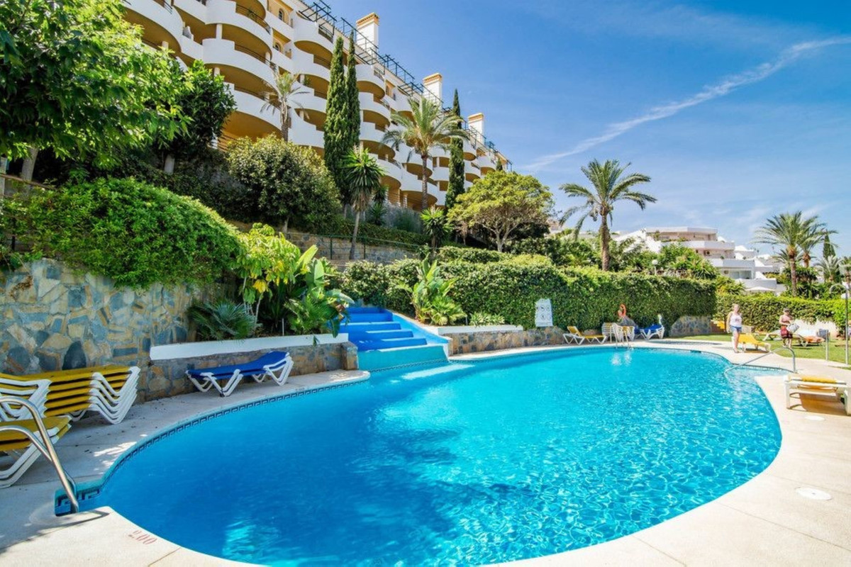 Excellent 2 bedrooms apartment boasting amazing sea views and to La Concha Mountain, ideally located,Spain