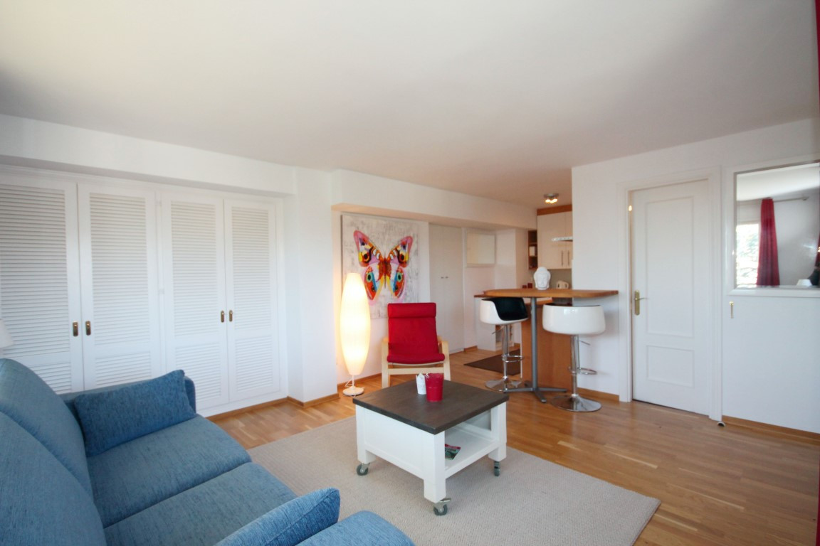 Surrounded by natural cork oak trees, pine forests this lovely studio apartment is nestled in a whit, Spain