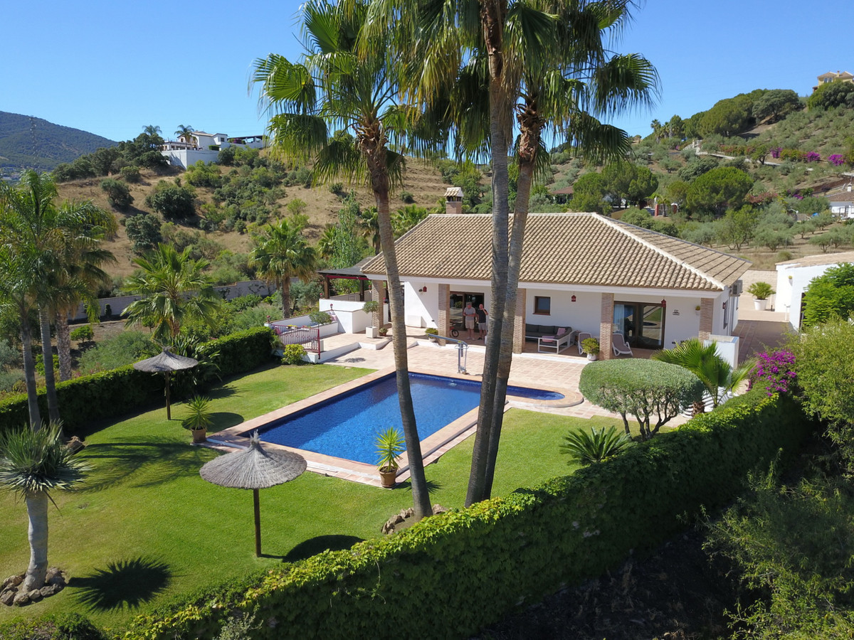 Exceptional offer !!! Fabulous Bed and Breakfast, ready to move in !  All specially adapted for the ,Spain