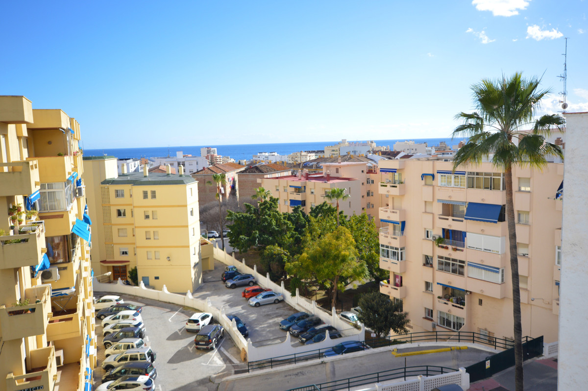 Apartment in a picturesque neighborhood with potential in Marbella center. The property is located a, Spain
