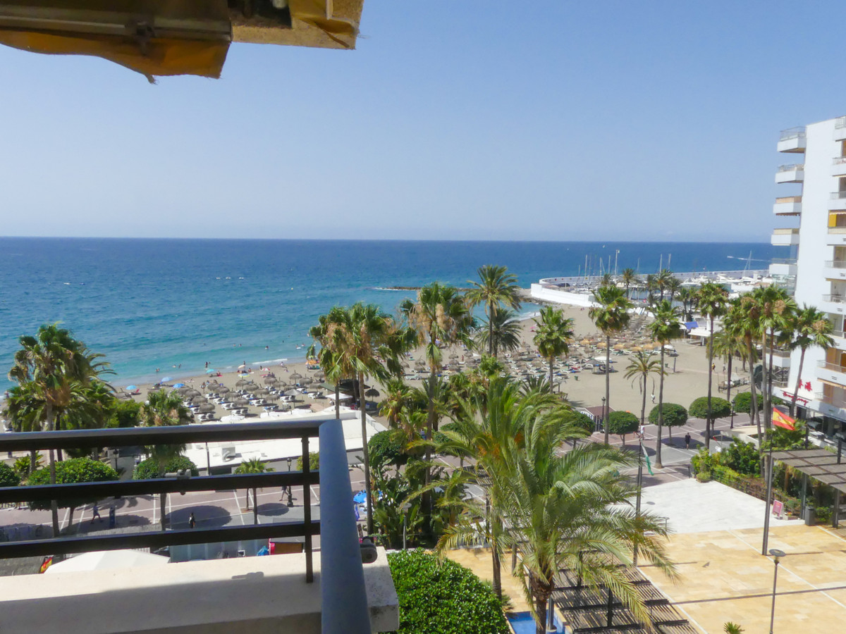 Magnificent apartment in the center of Marbella, a few meters from the beach and the beautiful prome, Spain