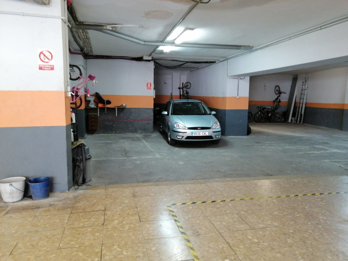 LOCAL OF 190 MTS, ADAPTED AS A GARAGE, 1 BATHROOM. IN AVD DEL MAR MARBELLA HAS ENTRANCE BY CALLE MED,Spain
