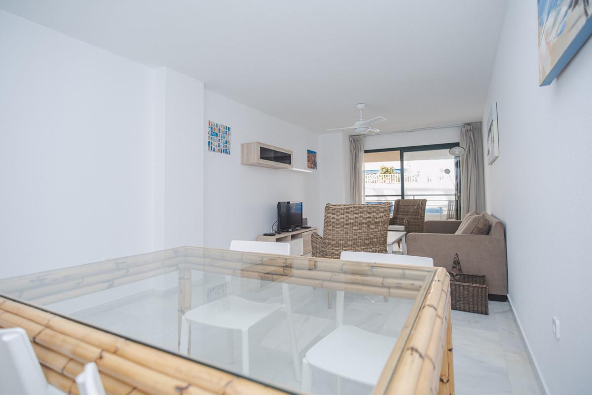 Apartamento Planta Media en Venta en Marbella – R3631841