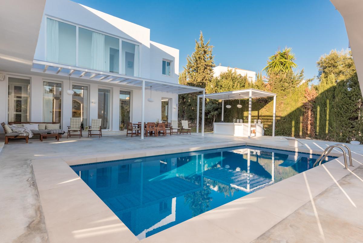 Marbella Banus Villa – Chalet en Venta en Nueva Andalucía – R3752245