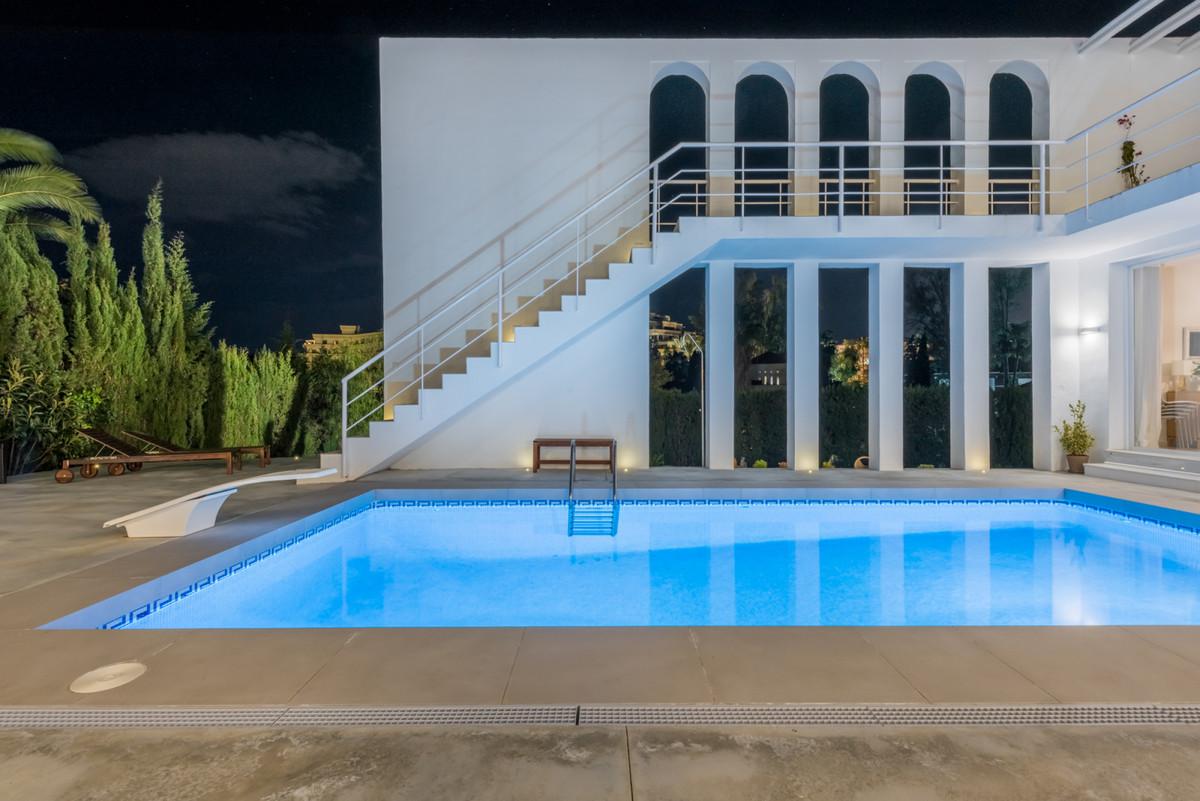 Villa Detached in Nueva Andalucía, Costa del Sol