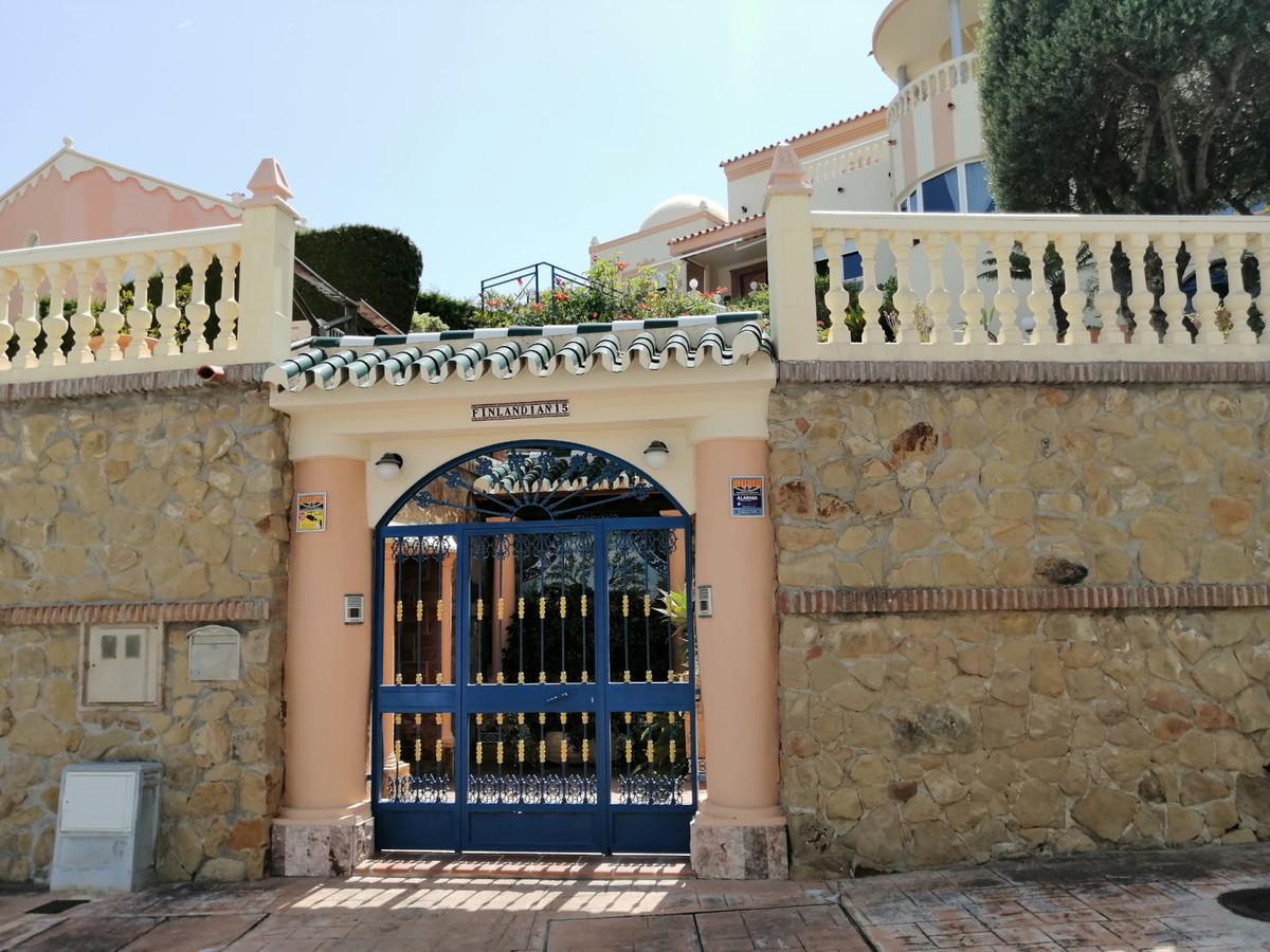 Villa 7 Dormitorios en Venta Benalmadena