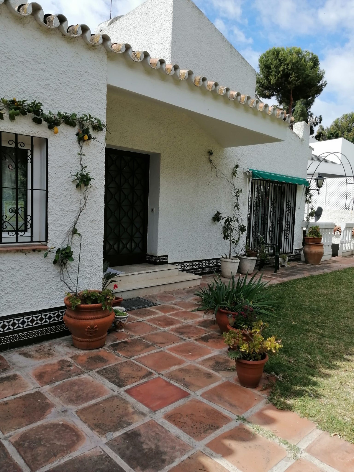 Excellent independent villa in Malaga capital  House 300 meters from the beach in El Candado, in the,Spain