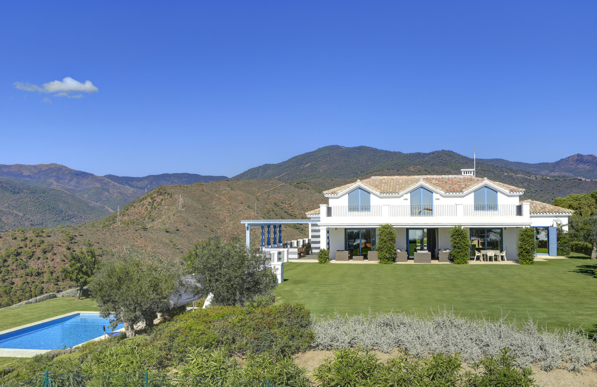 """""""For Sale; A luxurious Villa on a double plot (7,000m2) with panoramic views of the Mediterrane,Spain"""