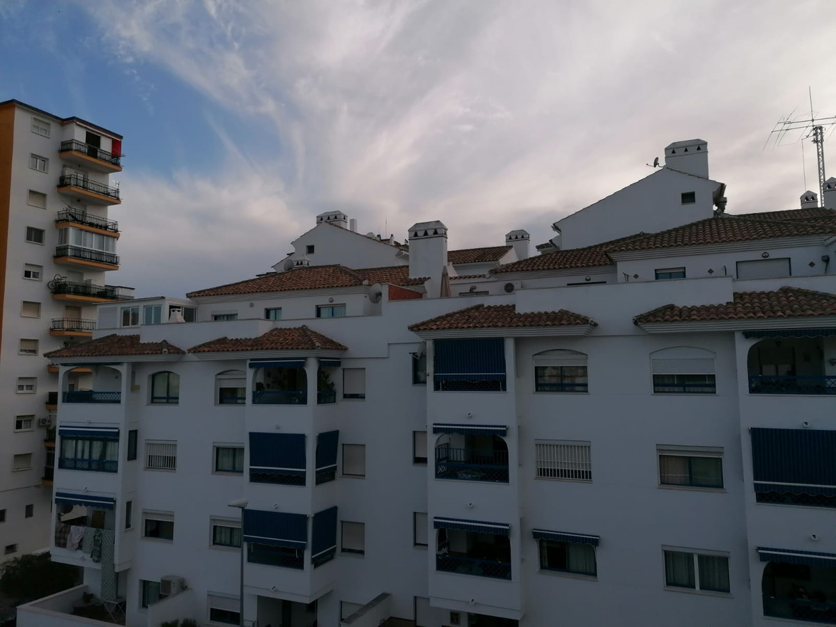 Apartment in Las Lagunas, near Carrefour de Mijas Costa and all essential services. At first it was ,Spain