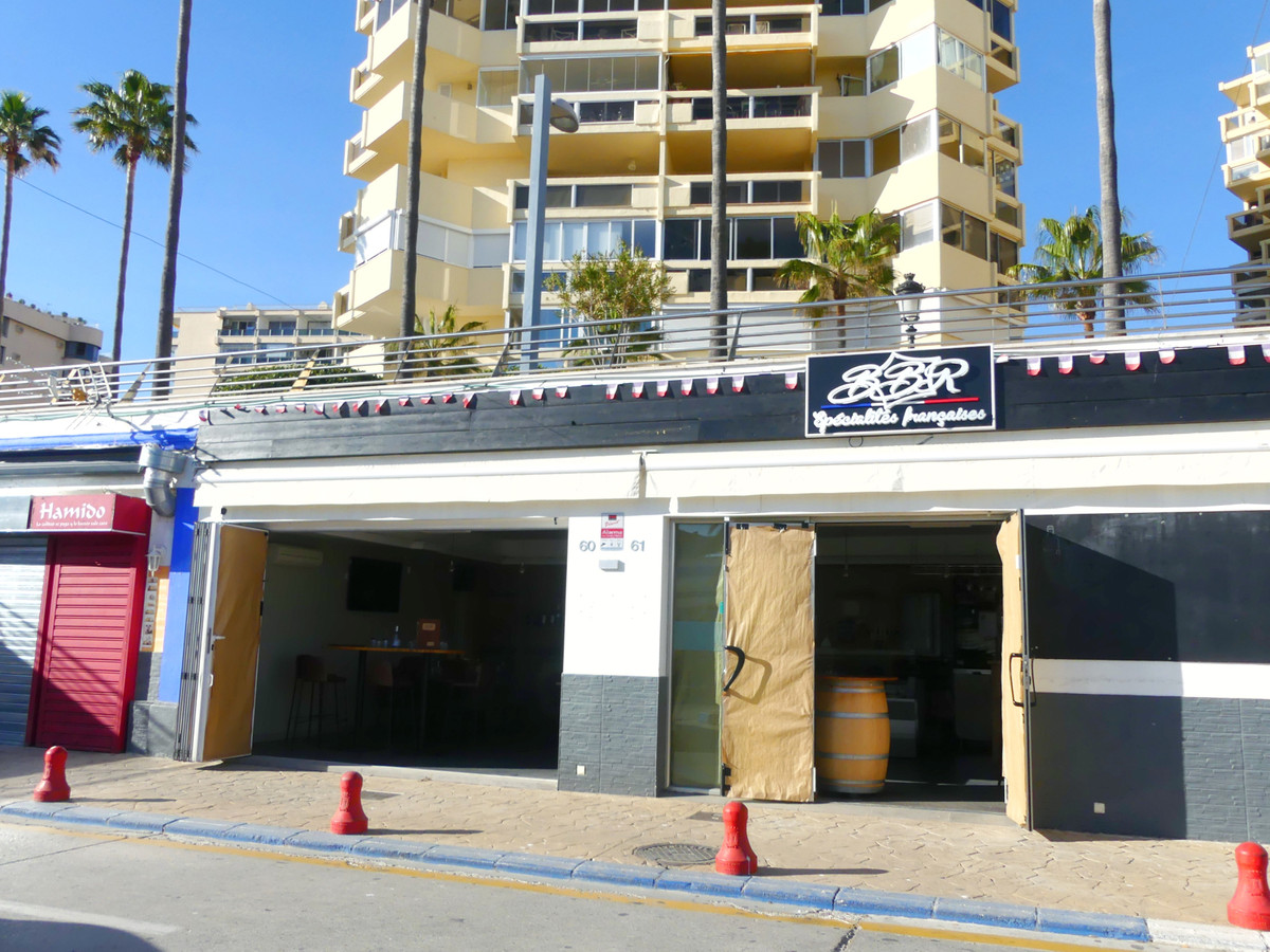 Restaurant is transferred in the Puerto Deportivo de Marbella for only € 125,000 and with a rent of ,Spain