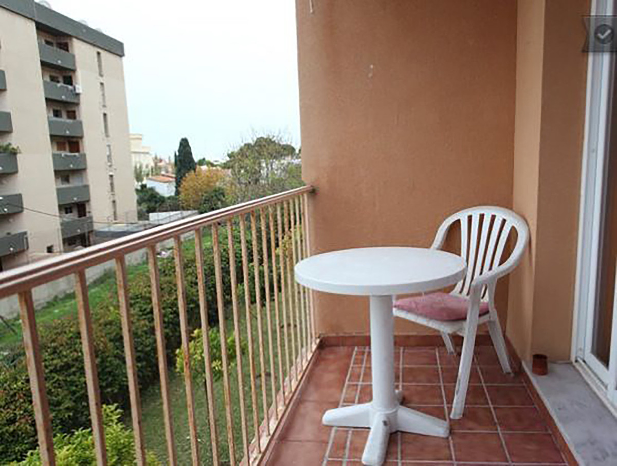 Apartment in Torremoilnos  It has two bedrooms and two bathrooms, a living room, a fully furnished k Spain