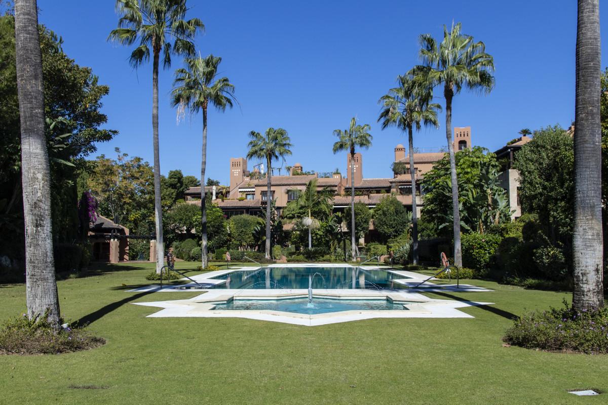 Marbella Banus Apartamento en Venta en Guadalmina Baja – R3744916