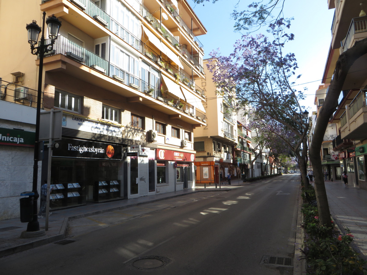 In the heart of Fuengirola, 1 minute from the bus station, 2 minutes from the train and the same to , Spain