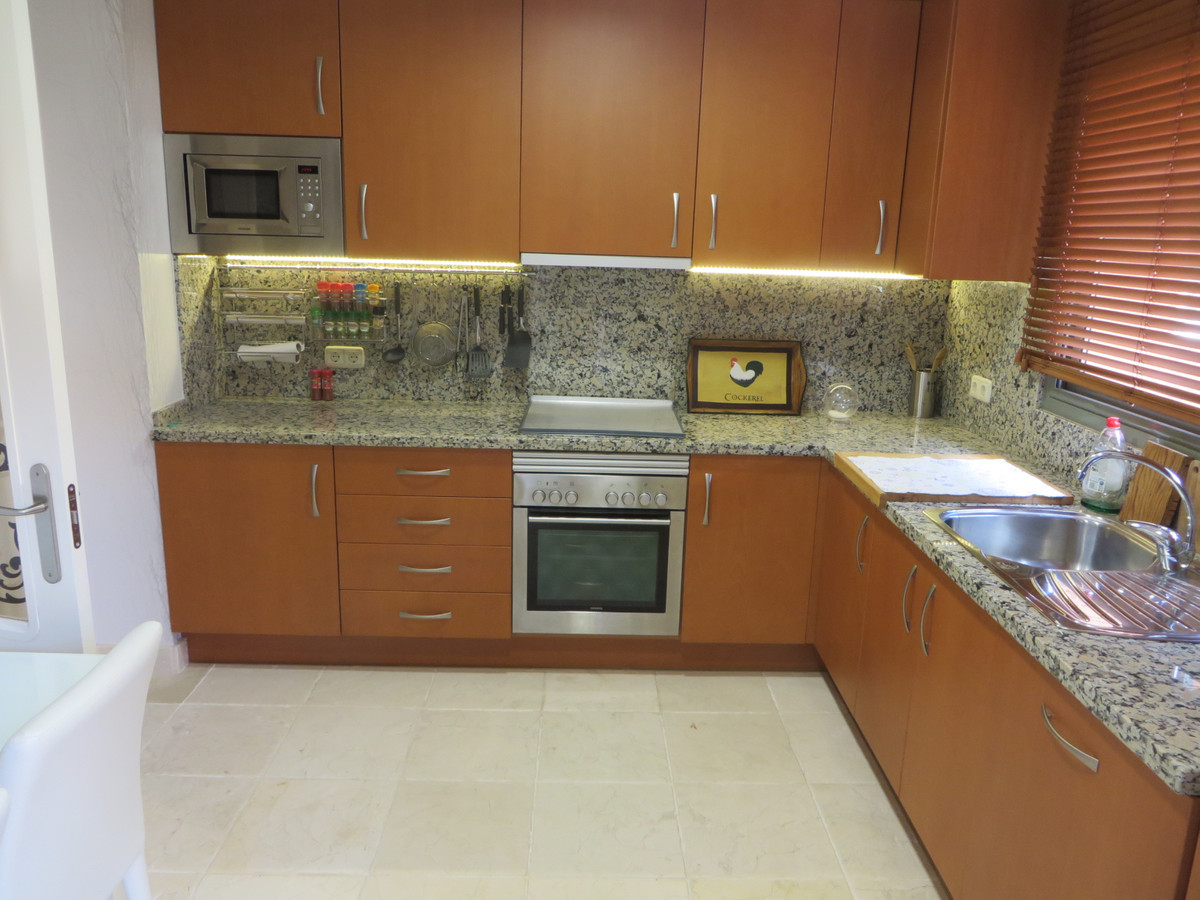 R3537616 | Penthouse in Benahavís – € 750,000 – 3 beds, 3 baths