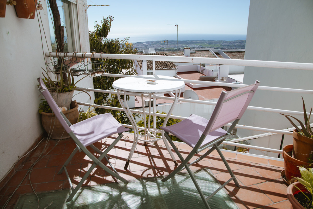 Town house in Mijas. Views of the city to the sea and the city of Fuengirola, house of 150 meters di,Spain