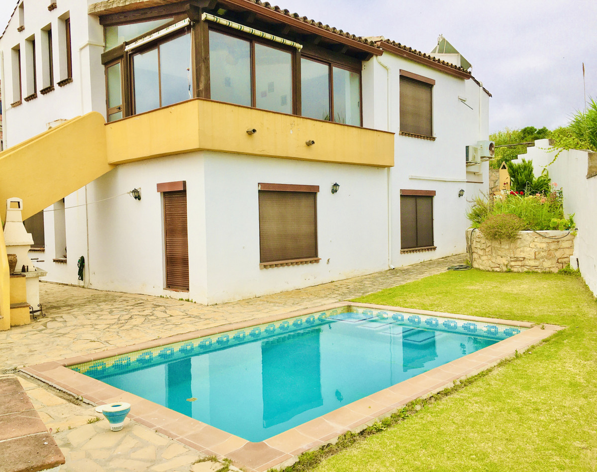 Spacious and bright five bedrooms villa is located just a short five minutes walk to San Luis de Sab,Spain