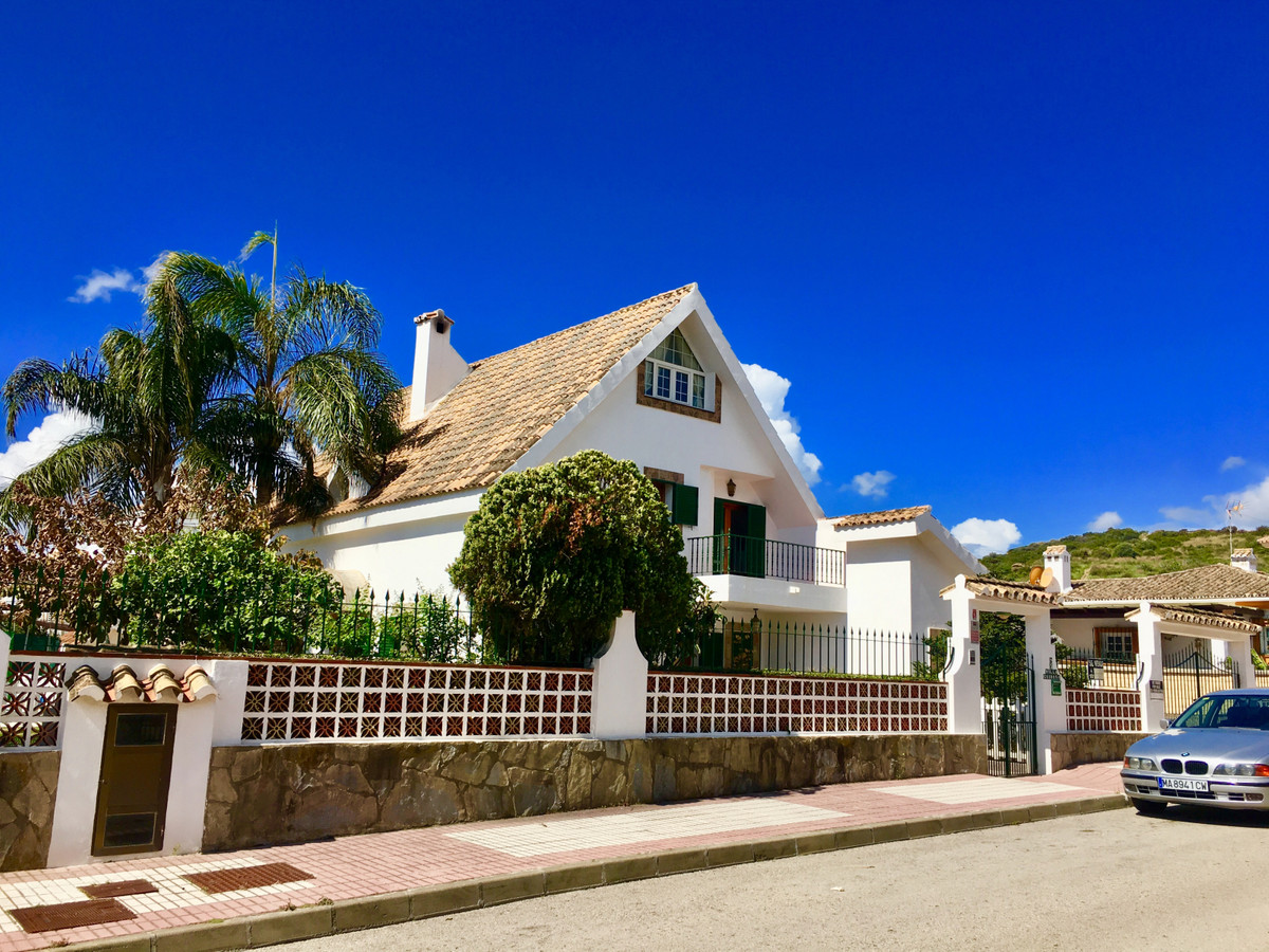 Ref:R3666878 Villa - Detached For Sale in Manilva