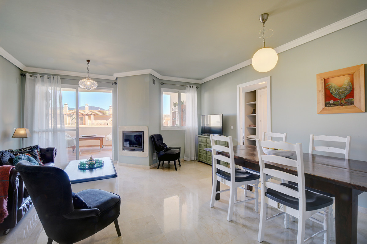 Bright and beautifully furnished with outstanding interior design, a three bedrooms and three bathro,Spain