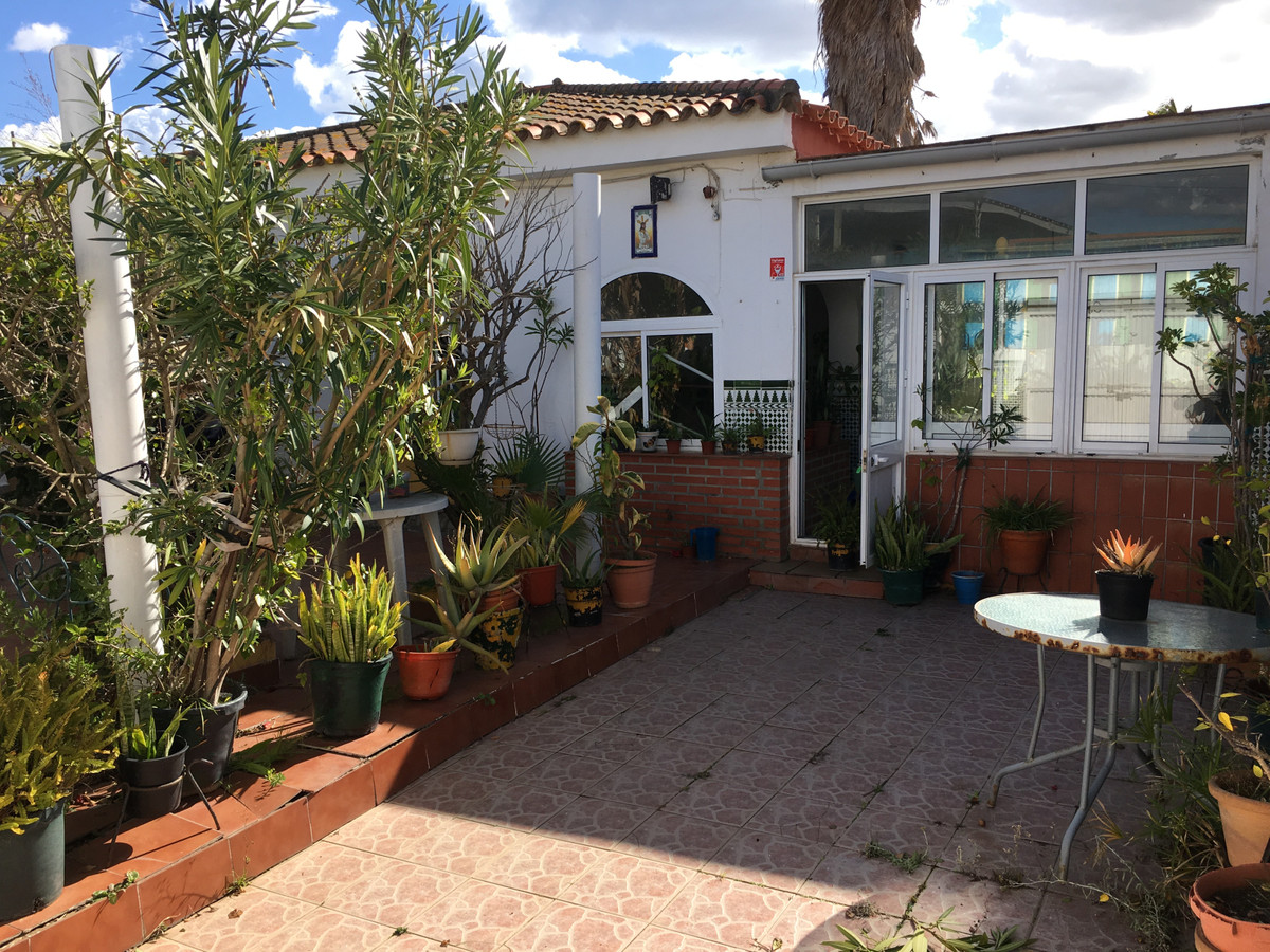 Villa for sale in Algeciras