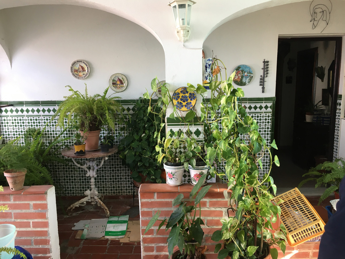 House in Algeciras R3666860 22
