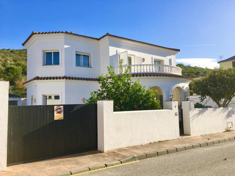 Villas In Casares 4