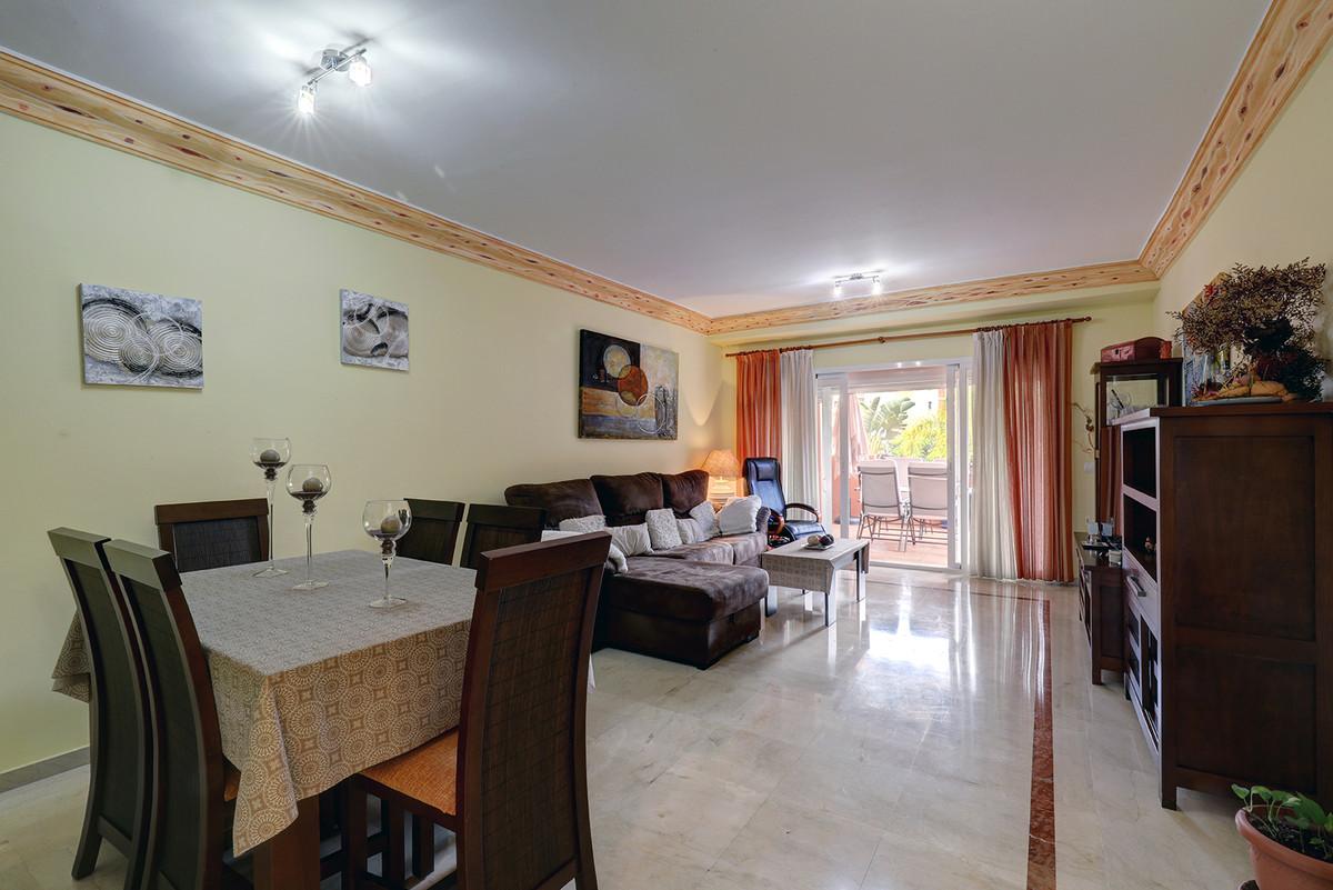 ApartmentMiddle Floorfor salein Estepona