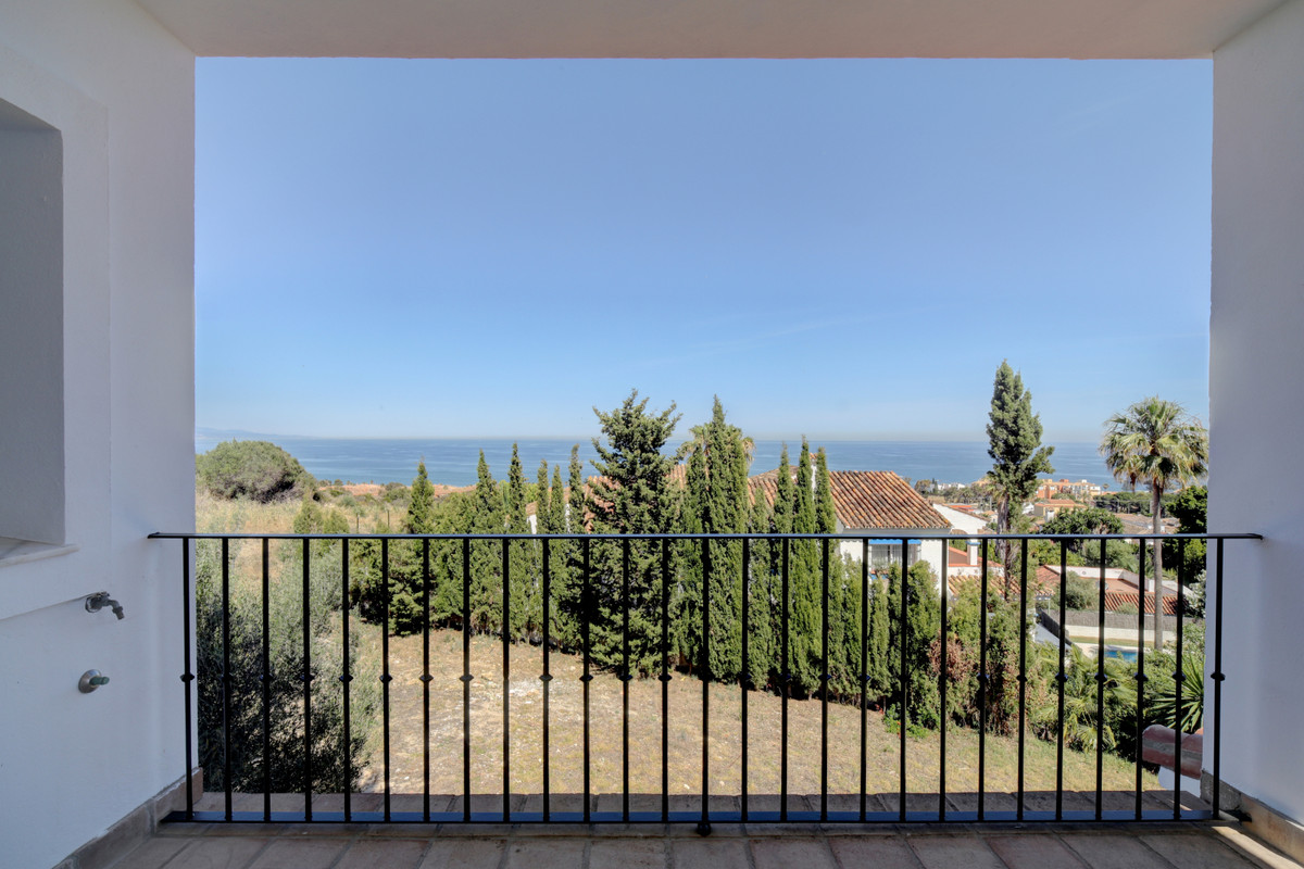 This charming villa is located at only a few minutes drive from the lovely port village of  La Duque, Spain