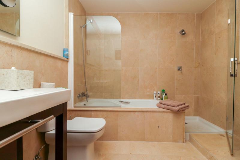 Apartamento Planta Media en venta en Los Flamingos – R3616553