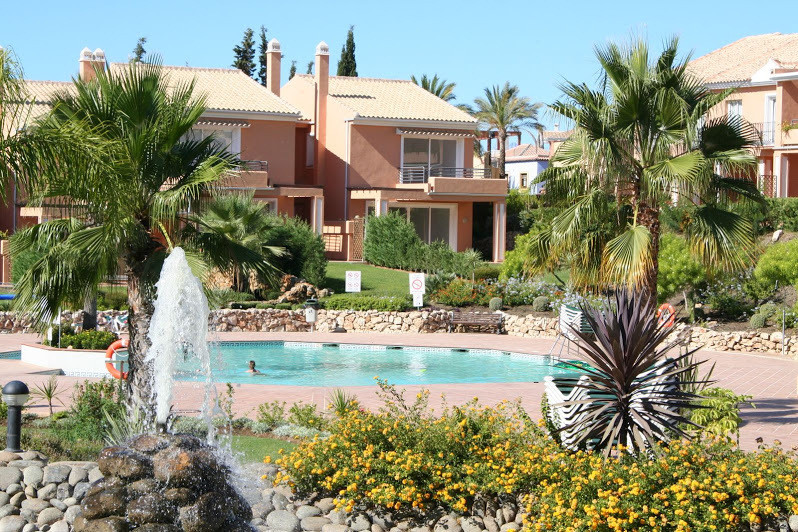Paris Park Set in wonderful tropical gardens, this luxurious and spacious three bedroom corner townh,Spain