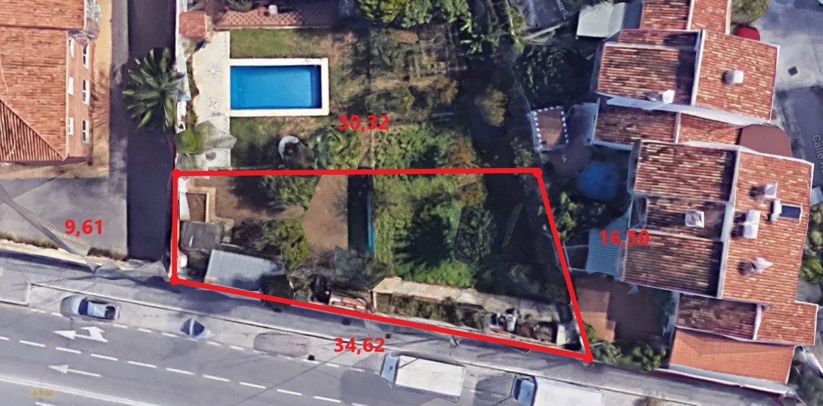 OPPORTUNITY Urban plot of 411 m2 flat, quiet residential area, unbeatable location, on the Camino de,Spain