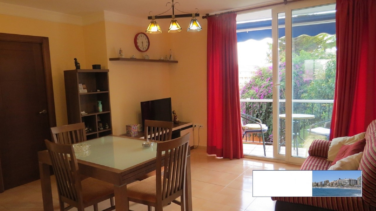 Apartment very close to the beach. Located in the lower part of Torreblanca, near the Hotel Gardenia,Spain