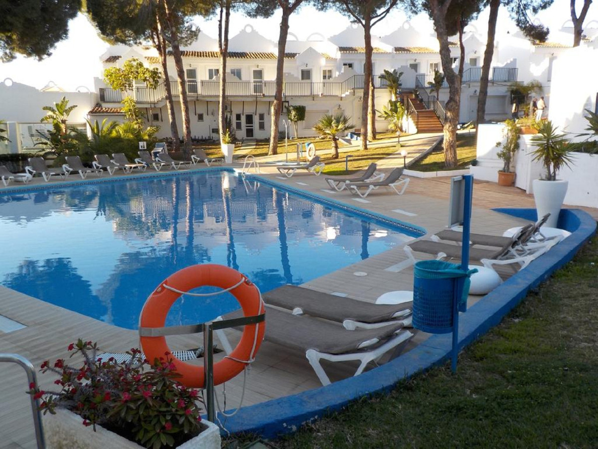 STUNNING DUPLEX CLOSE TO THE BEACH AND AMENITIES  Bright two bedroom duplex apartment kept in excell, Spain