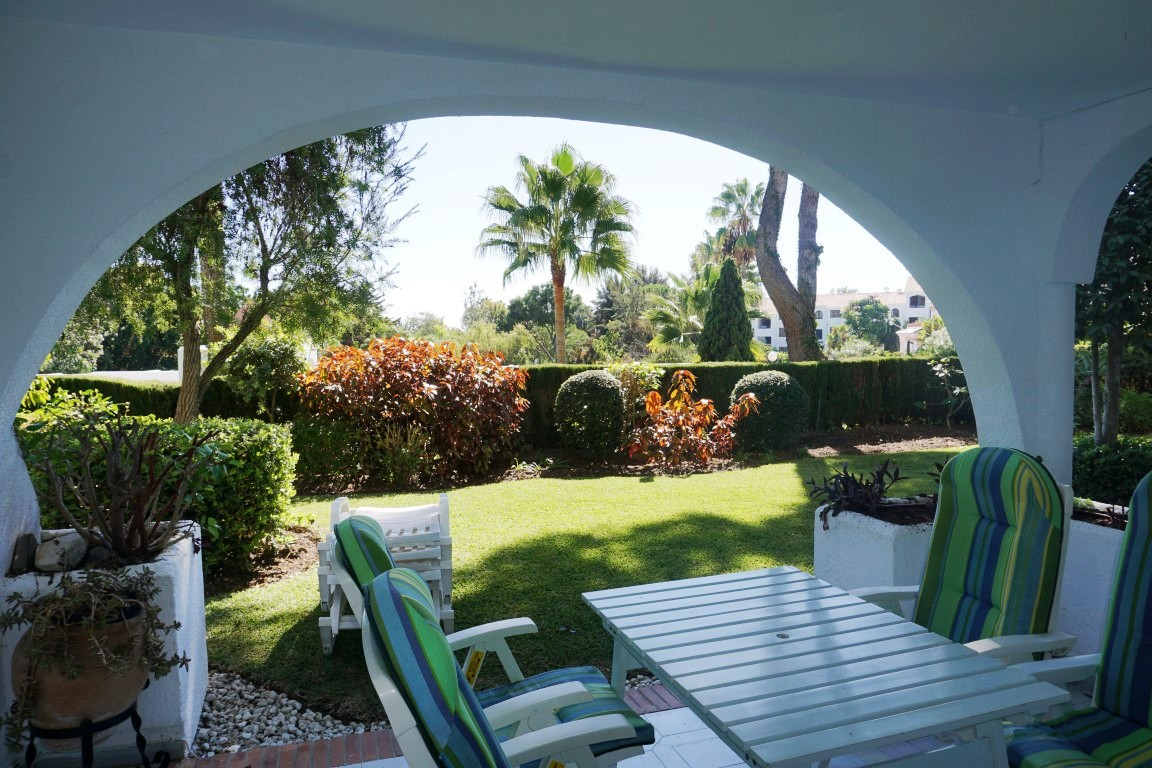 LOVELY 2 BED / 2 BATH GROUND FLOOR UNIT -  WALKING DISTANCE TO THE BEACH  This lovely sout  facing g, Spain