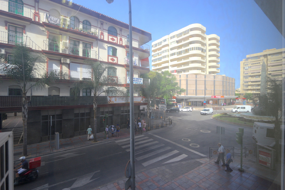 Office, Fuengirola, Costa del Sol. Built 46 m².  Setting : Town, Commercial Area, Close To , Spain
